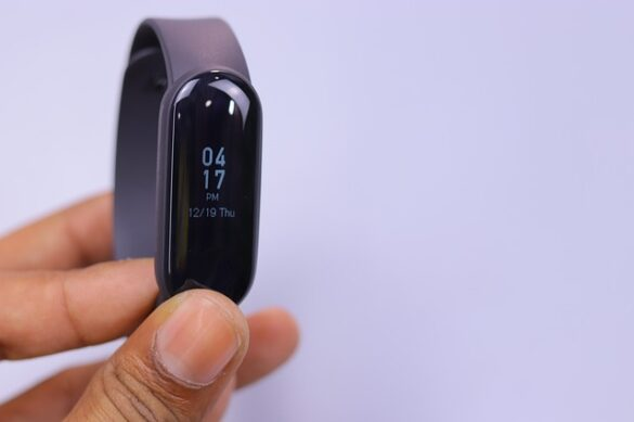 fitness trackers under $100